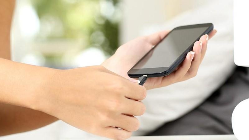 Мамандар смартфондардың жарылу себептерін айтты