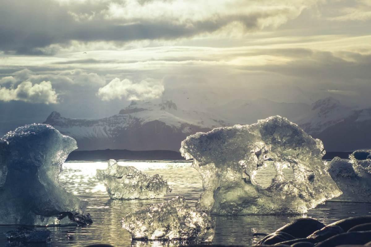 Арктикадағы мұз асқан жылдамдықпен еріп жатыр