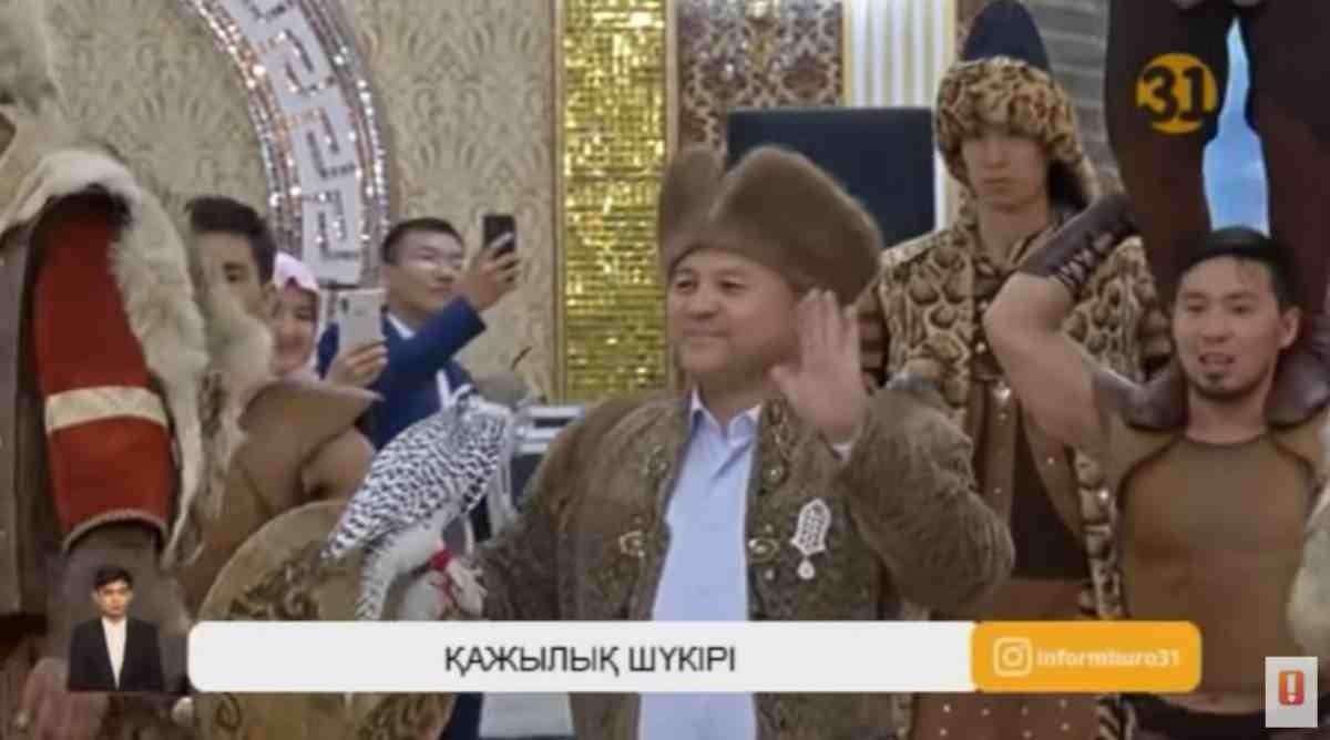 Қажылыққа 100 рет барған қазақстандық ұлан-асыр той жасады